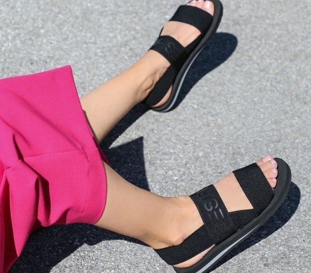 Sandals for girls for hot summer days